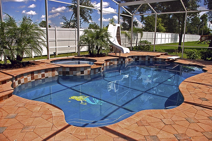 Concrete vs. Pavers for Your Pool Deck