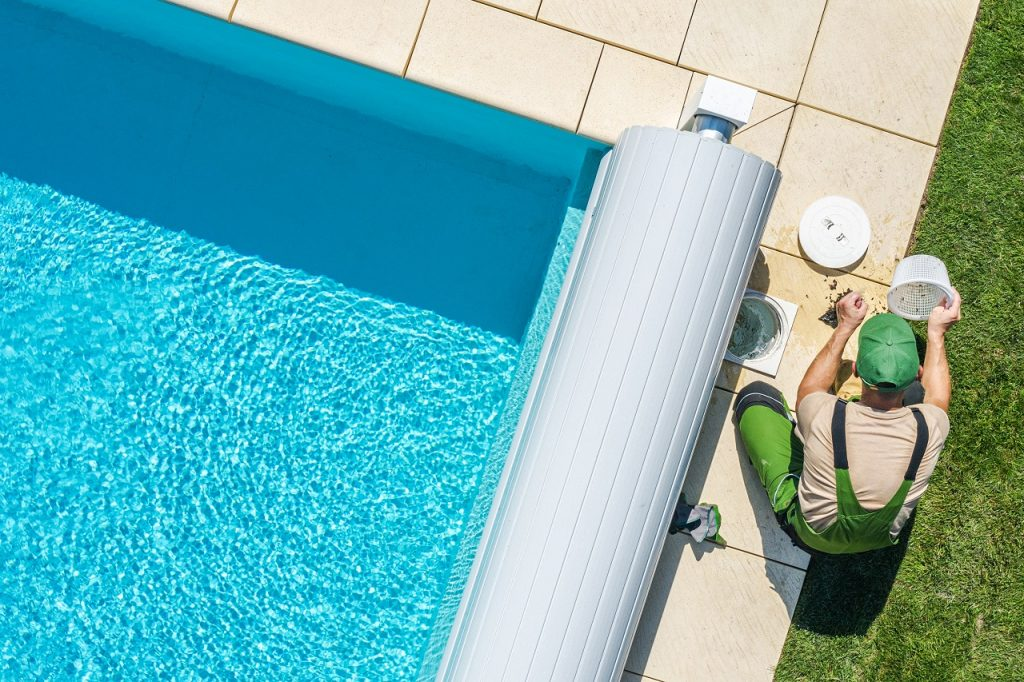 How to Cut Down on Swimming Pool Maintenance Expenses